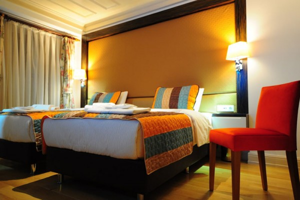 Twin room with garden ottopera boutique hotel i beyo lu for Ottopera hotel
